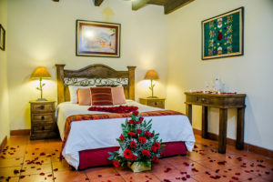 romantic-hotel-package-for-couples