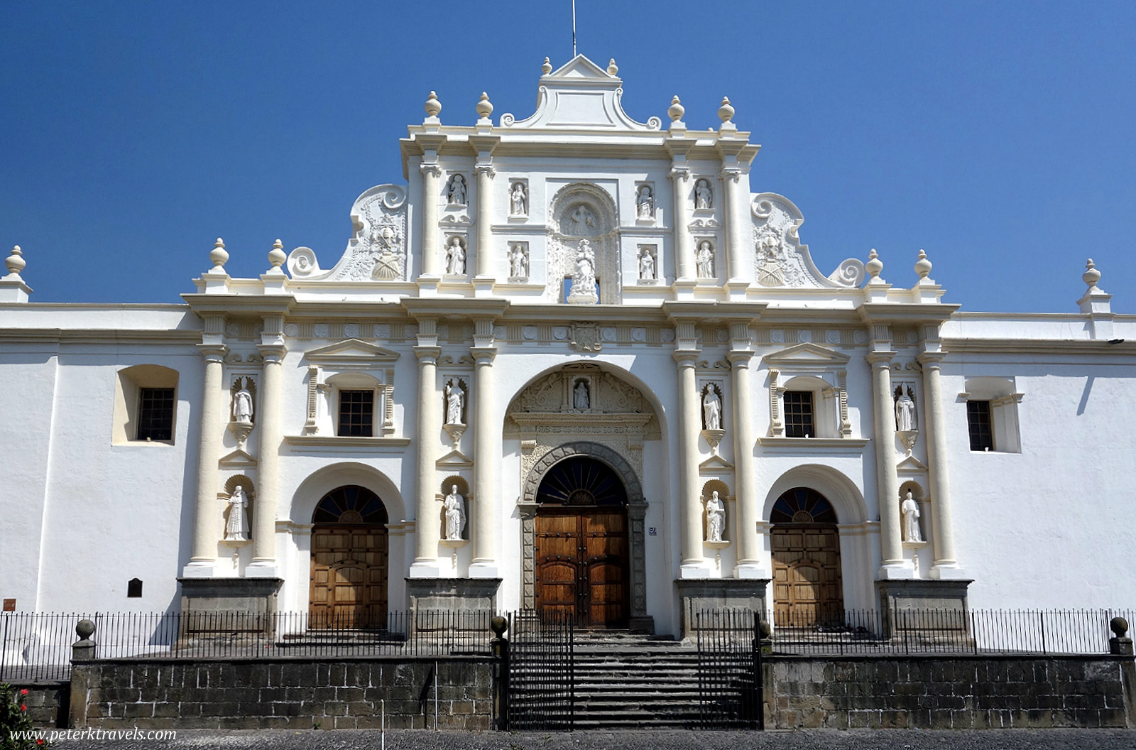 how to get to antigua guatemala