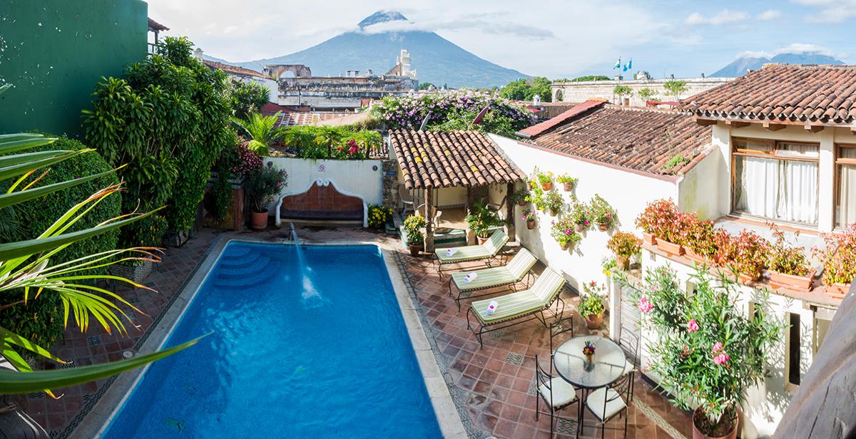 Hotel Casa Del Parque Antigua Guatemala 1